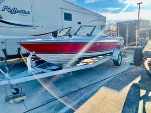 1986 sunbird 17feet 140 hp inboard outboard Runs perfect very clean inside and out Got Live well Fish finder works on it Captain chairs clean title for Sale in Fort Worth, TX