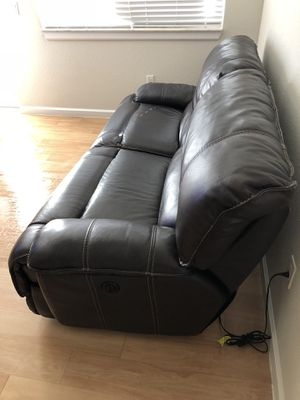 Genuine leather recliner couch for Sale in West Palm Beach, FL