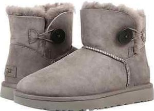 Ugg's size 9 for Sale in Bowie, MD