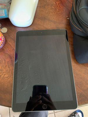 iPad 6th generation for Sale in Pompano Beach, FL