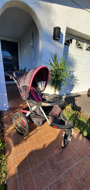 Babytrend jogging stroller for Sale in Miami, FL