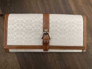 White Fabric Coach Wallet for Sale in Irvine, CA