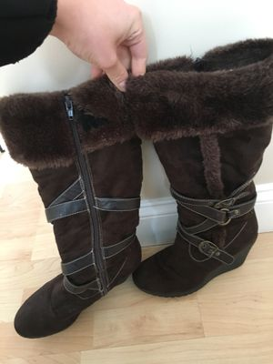 Brown boot, size 8 women's for Sale in Taunton, MA