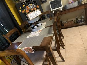 Kitchen table 6 chairs for Sale in Elsa, TX