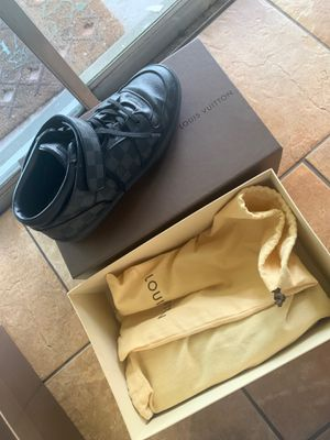 Louis Vuitton men shoes size 9 1/2 for Sale in Tampa, FL