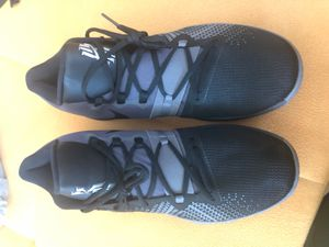 New Nike Kyrie Flytrap Black Gunsmoke Nike shoes no box size 12 for Sale in San Diego, CA