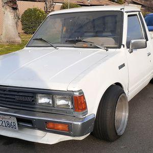 1986 Nissan Pickup for Sale in Fresno, CA