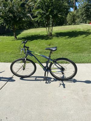 27.5 inch Schwinn bike for Sale in Doraville, GA