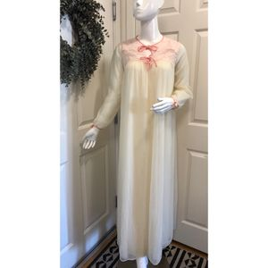 Vintage 50s Sheer & Lace Nightgown Robe for Sale in San Ramon, CA
