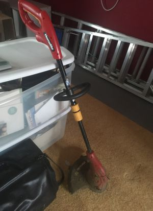 Homelite Weed Wacker/ Grass Trimmer for Sale in Damascus, MD