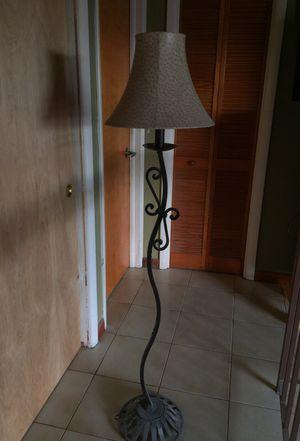 Floor metal lamp for Sale in Miami, FL