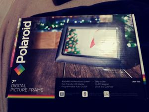Poloroid 7'' digital picture frame brand new for Sale in New Albany, IN