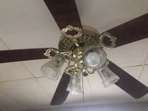 Wooden Oak 5-Blade Ceiling Fan w/ Working Lights for Sale in Detroit, MI
