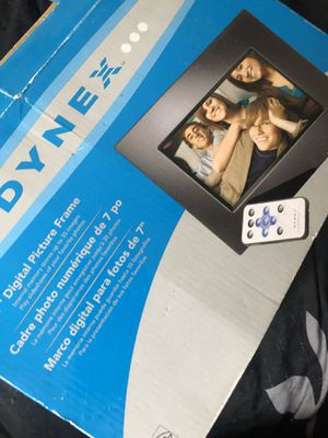 "Dynex 7"" digital picture photo frame for Sale in Alexandria, VA"