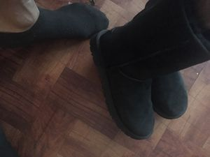 Uggs like new for Sale in Detroit, MI