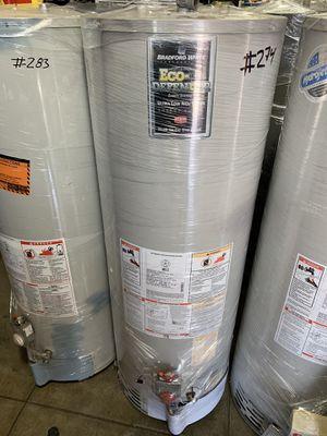 Water heater 40 galo es 1 año de garantía for Sale in Vernon, CA