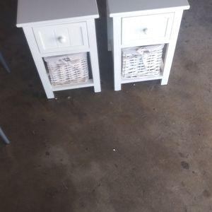 2 Gabinetes Pequeños Como Para Baños Nuebesitos. Por 30 for Sale in Pomona, CA
