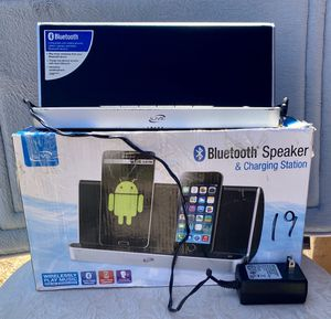 Bluetooth speaker and charging station for Sale in Fresno, CA