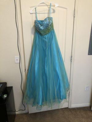 David's Bridal Prom dress size Medium for Sale in Salt Lake City, UT