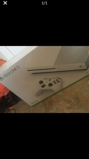Xbox one s In Los Angeles pls don't give me a price if you not going to be in Los Angeles for Sale in Los Angeles, CA