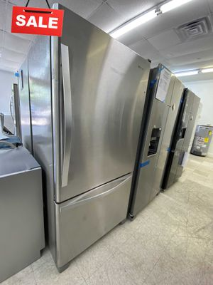 FIRST COME!!LIMITED QUANTITIES! Refrigerator FrIdge Whirlpool With Icemaker #1484 for Sale in Davie, FL
