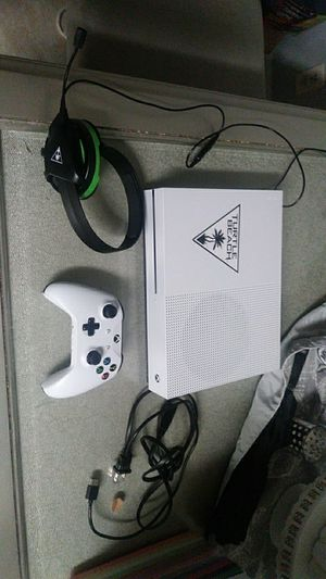 Xbox one s 500GB plus all of the games you see in the picture's for Sale in Pembroke Pines, FL