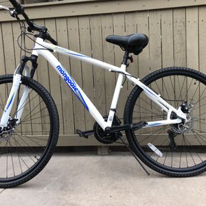 Mountain Bike Mongoose Banish 2.0men's,Dual Disk Brakes Like New. for Sale in Houston, TX