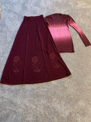 Girl's long skirt with shirt for Sale in Baxter, MN