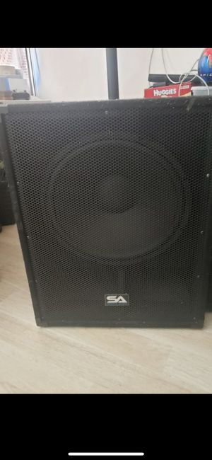Powered subwoofer 18 for Sale in Oakland, CA