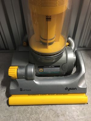 Dyson DC07 DC7 Yellow Root 8 Cyclone Vacuum in a VERY GOOD CONDITION for Sale in Coral Gables, FL