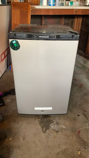 Mini fridge for Sale in San Jose, CA