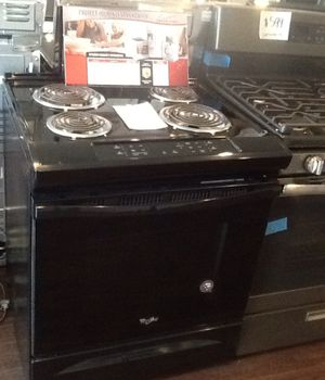 New open box whirlpool electric range WEC310S0FB for Sale in Whittier, CA