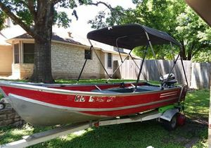 Lowe 15ft Aluminum fishing boat for Sale in Floresville, TX