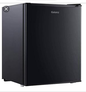 Galanz mini fridge for Sale in San Antonio, TX
