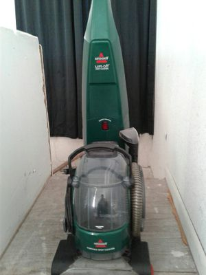 BISSEL LIFT DEEP CLEANER for Sale in CORP CHRISTI, TX