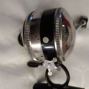 Zebco 44 FISHING REEL. for Sale in SeaTac, WA