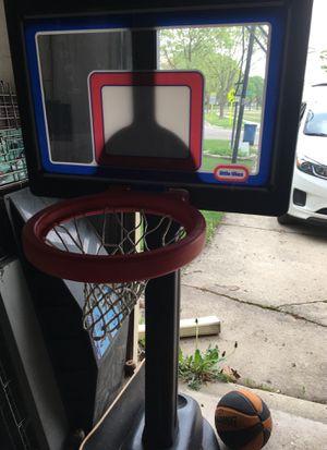 Little tykes basketball hoop for Sale in Woodridge, IL