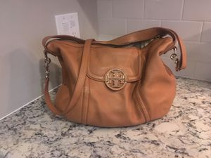 Tory Burch Amanda hobo leather vachette satchel bag for Sale in Oakbrook Terrace, IL