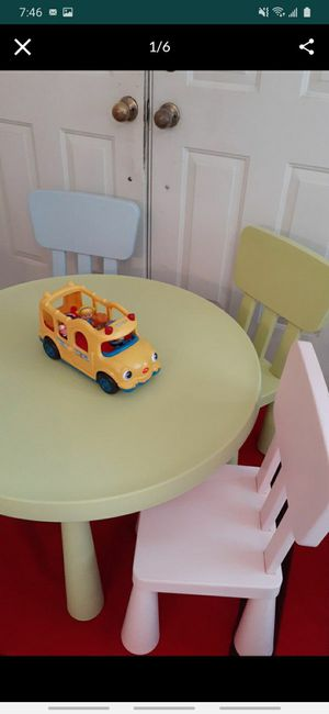 Kid table with one chair for Sale in Hialeah, FL