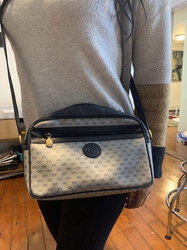 Gucci crossbody purse grey