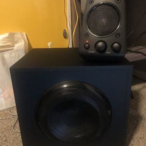 Logitech THX Desktop Speakers With Subwoofer for Sale in Aurora, CO