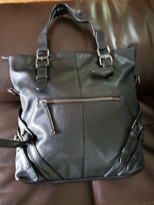 """Black Purse in a excellent condition used maybe once 14"""" by 13"""" wide. for Sale in Gurnee, IL"""