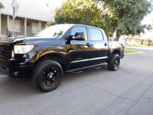 2007 Toyota Tundra Crew max for Sale in Fresno, CA