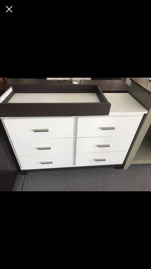 Brand new dresser w/ optional changing table for Sale in Shawnee Hills, OH