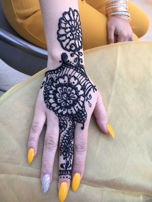 Henna حنا for Sale in Colton, CA