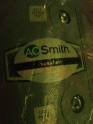 AO Smith SIGNATURE 6 GAL WATER HEATER for Sale in Modesto, CA