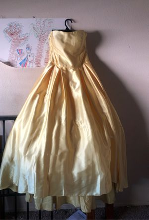 Yellow formal dress for Sale in Riverside, CA