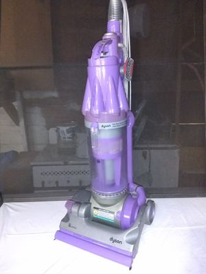 Dyson Root cyclone dc07 animal vacuum cleaner for Sale in San Antonio, TX