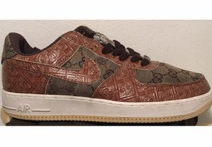 Nike AF 1 Gucci sneakers, 9 1/2 (Limited Edition) for Sale in Brooklyn, NY