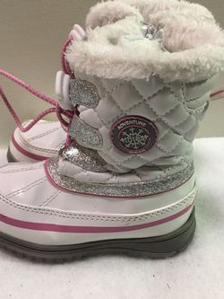 Totes toddler girls size 7 winter snow boots for Sale in Cicero,  IL